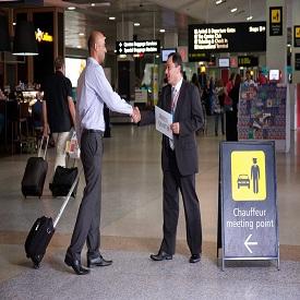 El aeropuerto de El Cairo se reúne y asiste